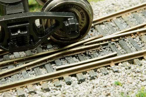 z scale fast tracks